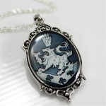 Cullen Family Crest Necklace Rosalie Twilight New Moon