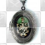 Cullen Family Crest Twilight New Moon Locket Necklace green