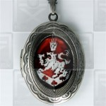 Cullen Family Crest Twilight New Moon Locket Necklace red